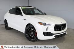 2020_Maserati_Levante__ Kansas City KS