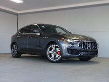 2020_Maserati_Levante__ Kansas City KS