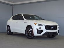 2020_Maserati_Levante_S_ Kansas City KS