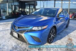 2020_Toyota_Camry_SE / Power Driver's Seat / Sunroof / Blind Spot & Lane Departure Alert / Cruise Control / Bluetooth / Back Up Camera / 39 MPG / 1-Owner_ Anchorage AK