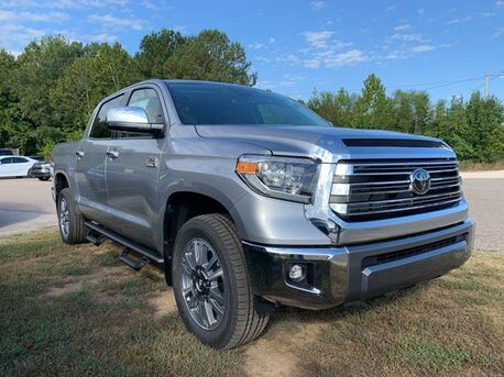 2020_Toyota_Tundra_1794_ Paris TN