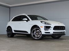 2021_Porsche_Macan_S_ Kansas City KS