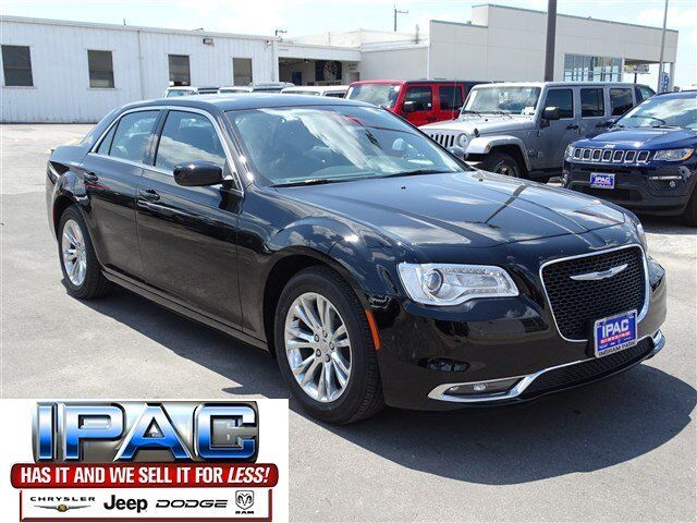 2017 Chrysler 300 Limited San Antonio TX