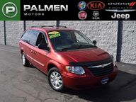 2007 Chrysler Town & Country LWB Touring Racine WI