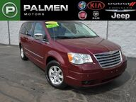 2009 Chrysler Town & Country Touring Racine WI