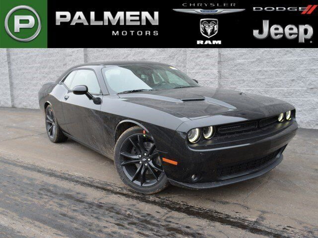 2017 dodge challenger sxt plus kenosha wi 16496185. Black Bedroom Furniture Sets. Home Design Ideas