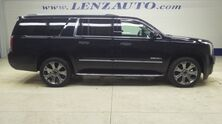 GMC Yukon XL 4WD Denali: NAV-MOON-QUADS-THIRD-REVERSE CAMERA-WIFI-BOSE-LEATHER-CD PLAYER-4WD-1 OWNER 2016