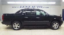 Chevrolet Avalanche 4x4 Crew Cab LTZ: SHORT-NAV-MOON-REVERSE CAMERA-LEATHER-CD PLAYER-4X4-1 OWNER 2013