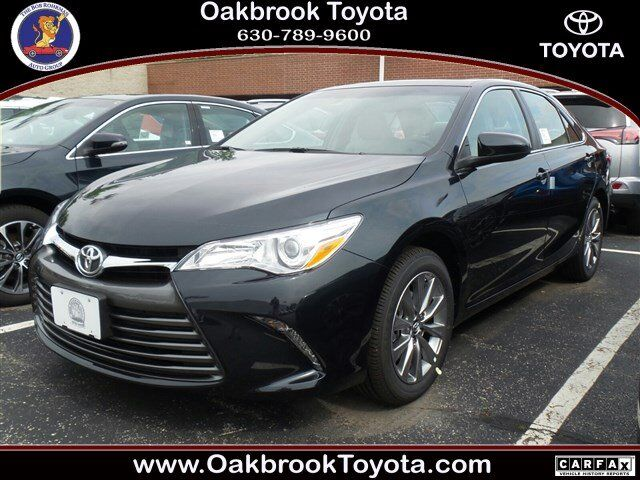 2017 toyota camry xle westmont il 14040144. Black Bedroom Furniture Sets. Home Design Ideas
