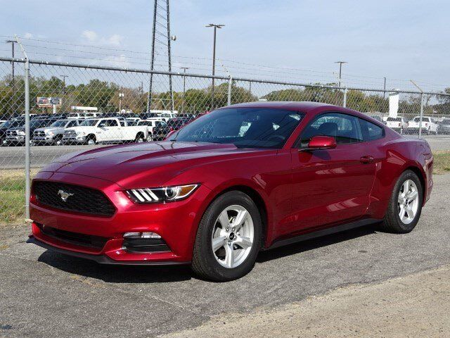 2017 ford mustang v6 winder ga 15593948. Black Bedroom Furniture Sets. Home Design Ideas