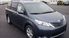2017 Toyota Sienna LE Warsaw IN