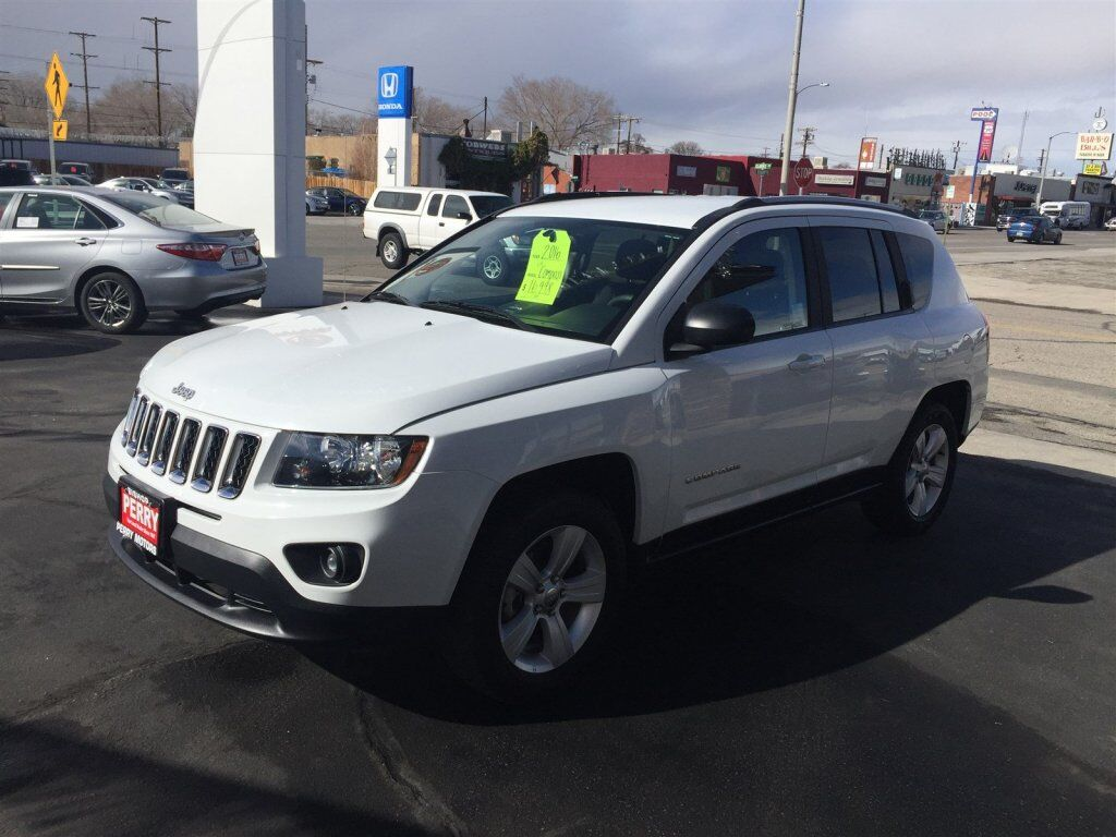 Vehicle details 2016 jeep compass at perry motors toyota for Perry motors bishop california