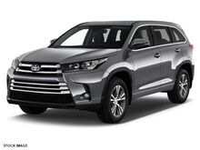 2017 Toyota Highlander LE Plus Burnsville MN