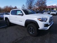 Toyota Tacoma TRD Off Road Double Cab 5' Bed V6 4x4 AT 2017
