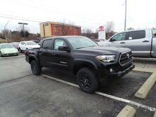 2017 Toyota Tacoma SR5 Double Cab 5' Bed V6 4x4 AT Cranberry Twp PA