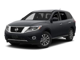 2013 Nissan Pathfinder Platinum Tacoma WA