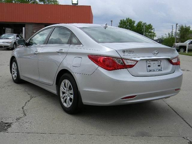 2012 hyundai sonata gls lafayette in 9441411. Black Bedroom Furniture Sets. Home Design Ideas