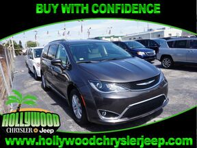 2017 Chrysler Pacifica Touring-L Fort Lauderdale FL