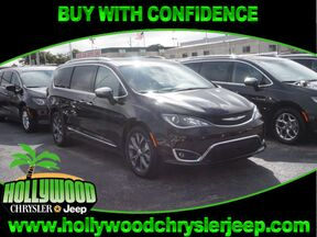 2017 Chrysler Pacifica Limited Fort Lauderdale FL