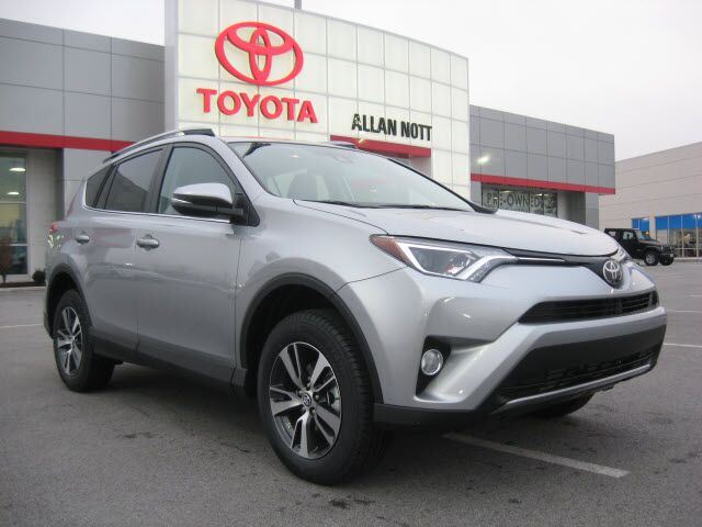 2017 toyota rav4 awd xle lima oh 16792231. Black Bedroom Furniture Sets. Home Design Ideas