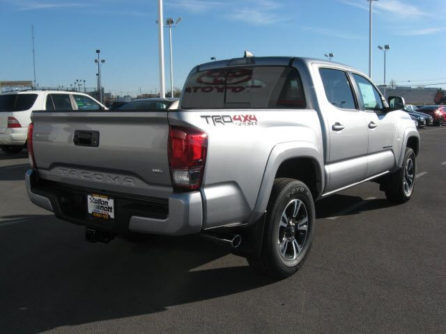 2017 toyota tacoma trd sport 4x4 lima oh 15993727. Black Bedroom Furniture Sets. Home Design Ideas