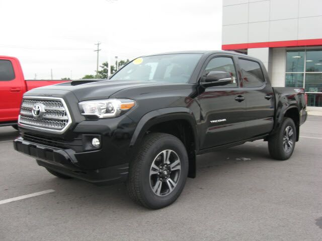 2017 toyota tacoma 4x4 trd sport lima oh 15113812. Black Bedroom Furniture Sets. Home Design Ideas