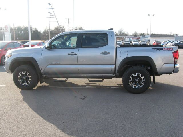 2017 toyota tacoma 4x4 trd off road lima oh 16955239. Black Bedroom Furniture Sets. Home Design Ideas