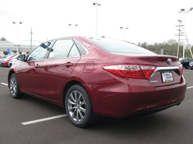 2017 toyota camry xle lima oh 15175562. Black Bedroom Furniture Sets. Home Design Ideas