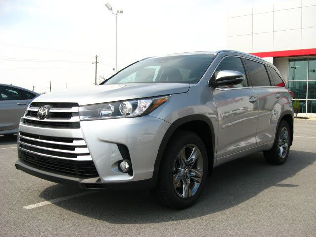 2017 toyota highlander awd limited platinum package lima oh 18105150. Black Bedroom Furniture Sets. Home Design Ideas