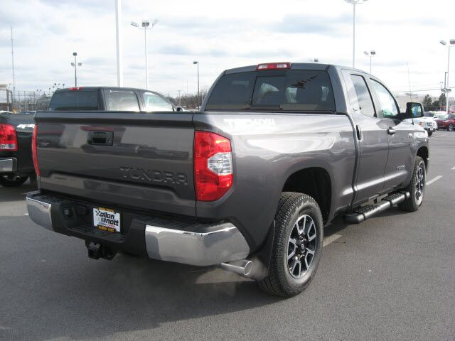 2017 Toyota Tundra SR5 4X4 / TRD Off Road Pkg Lima OH