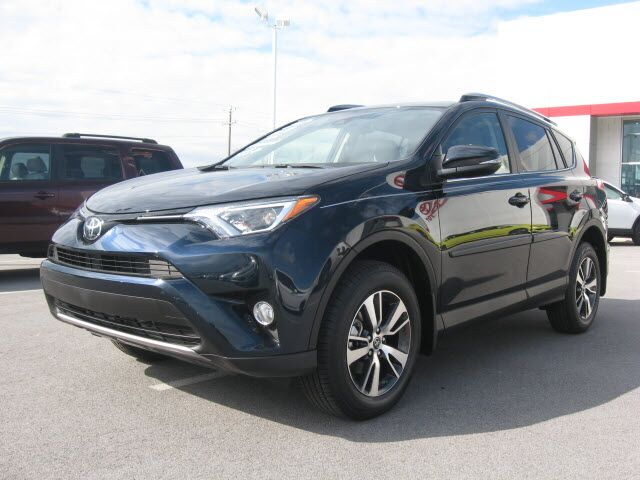 2017 toyota rav4 awd xle lima oh 17368412. Black Bedroom Furniture Sets. Home Design Ideas