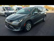 2017 Chrysler Pacifica Limited Milwaukee and Slinger WI