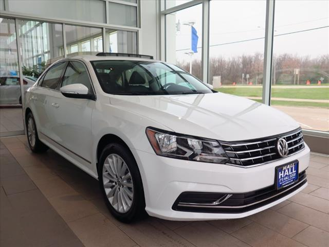 2017 volkswagen passat 4dr sdn 1 8t auto se brookfield wi 15600912. Black Bedroom Furniture Sets. Home Design Ideas