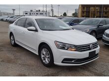 2017 Volkswagen Passat 1.8T S Houston TX