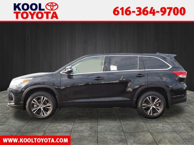 2017 Toyota Highlander LE Plus Grand Rapids MI