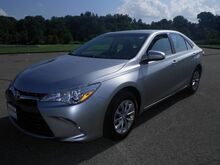 2015 Toyota Camry LE Steubenville OH
