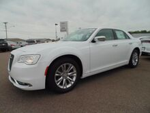 2017 Chrysler 300 300C Paris TN