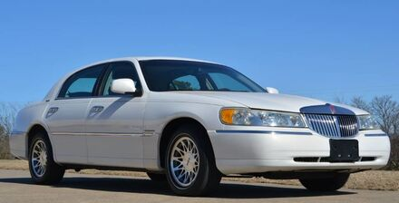 2002 Lincoln Town Car Signature Fort Worth TX