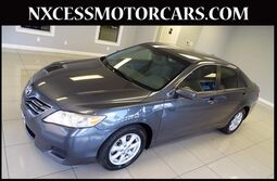 Toyota Camry LE AUTO ALLOY WHEELS CLEAN CARFAX. 2011