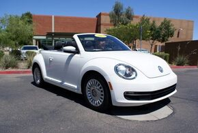 Volkswagen Beetle Convertible 2.5L w/Tech 2013