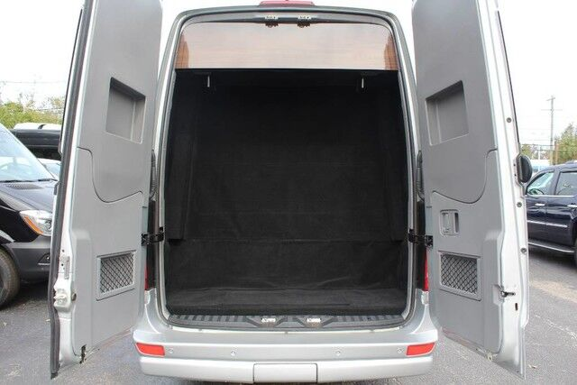 2015 mercedes benz vans sprinter airstream autobahn for Mercedes benz sprinter airstream