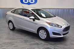 2014 Ford Fiesta ONLY 36K MILES! 36 MILES PER GALLON! 5 SPEED! MINT! Norman OK