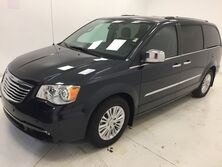 Chrysler Town & Country Limited FWD 2014