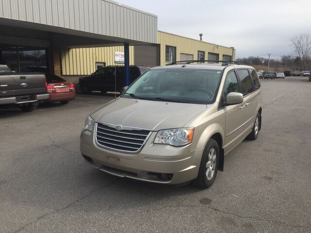 2009 Chrysler Town & Country Touring Cleveland OH