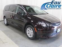 2017_Chrysler_Pacifica_Touring 4dr Wgn_ Eau Claire WI