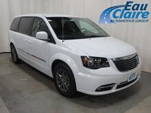 2016 Chrysler Town & Country 4dr Wgn S Eau Claire WI
