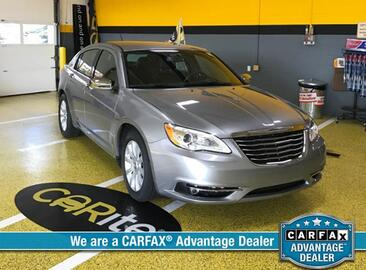 2013 Chrysler 200 4dr Sdn Limited Michigan MI