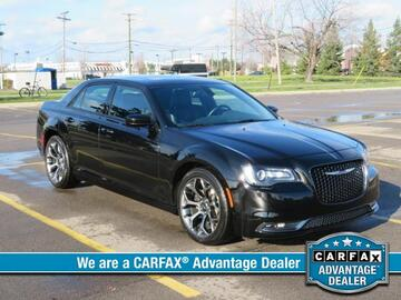 2015 Chrysler 300 4dr Sdn 300S RWD Michigan MI