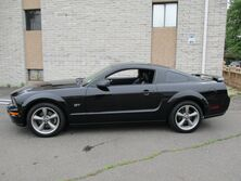 Ford Mustang GT Deluxe 2006