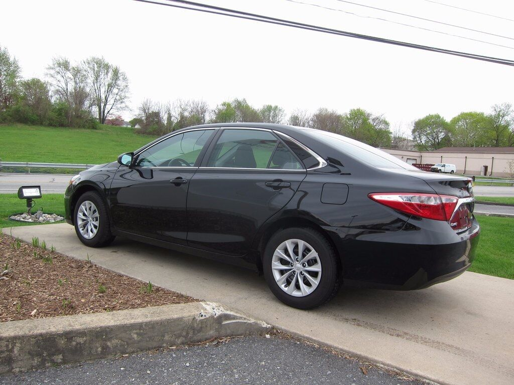 2015 toyota camry le sinking spring pa 18187107. Black Bedroom Furniture Sets. Home Design Ideas
